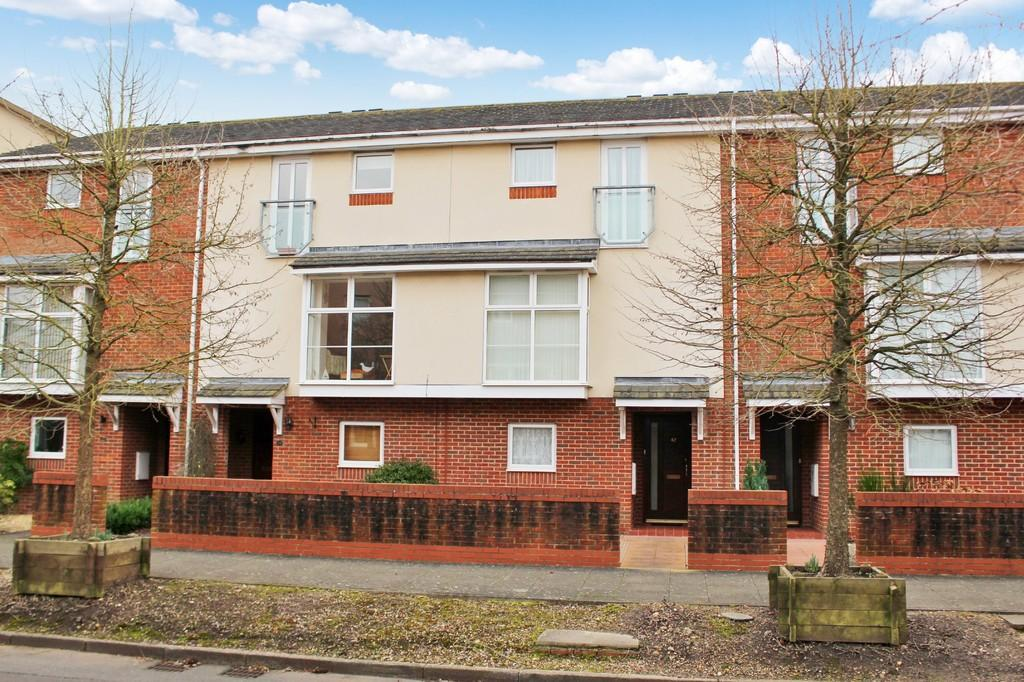 4 Bedrooms Town House for sale in Scott-Paine Drive, Hythe