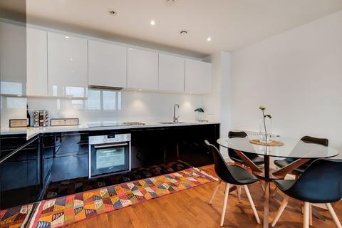 1 bedroom apartment to rent - Discovery Tower, Canning Town, London