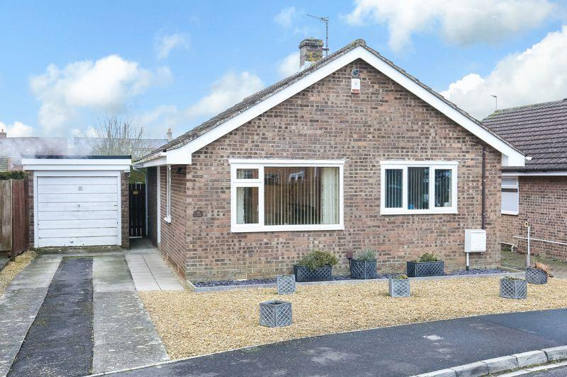 2 Bedrooms Detached Bungalow for sale in Hollis Way, Southwick