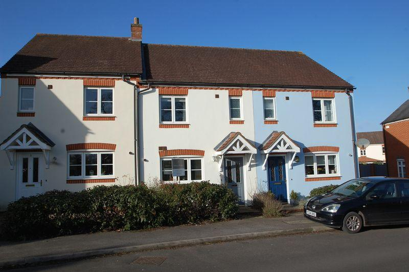 2 Bedrooms Terraced House for sale in Luker Drive, Petersfield