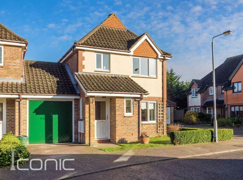 3 Bedrooms Detached House for sale in Coleman Close, Drayton, Norwich