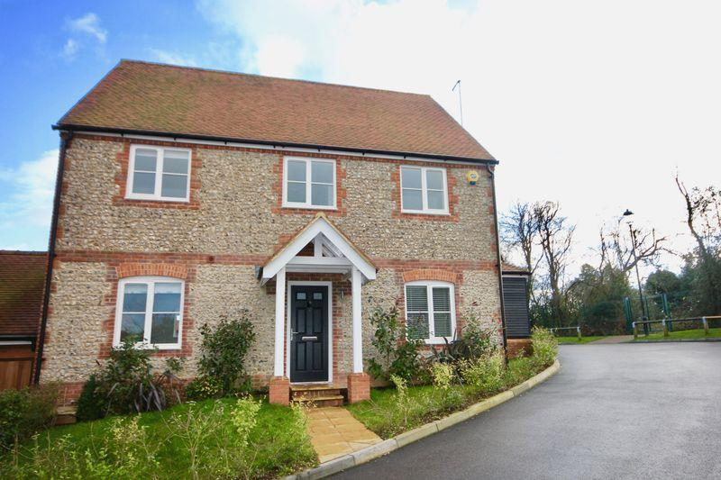 4 Bedrooms Detached House for sale in 4 Bedroom Detached Home, Markyate