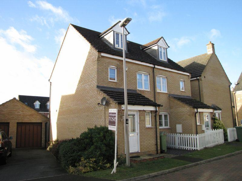 3 Bedrooms Semi Detached House for sale in Oberon Way, Milton Keynes
