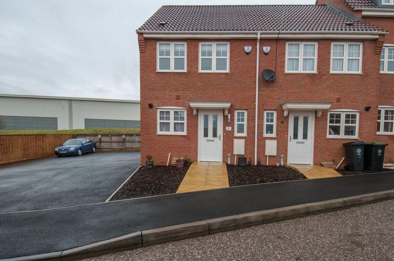 2 Bedrooms Terraced House for sale in Steeple Way, Rushden