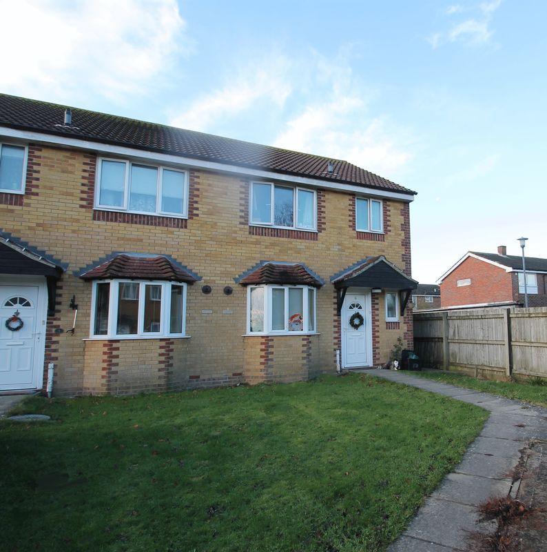 3 Bedrooms Semi Detached House for sale in Hawkinge, Folkestone