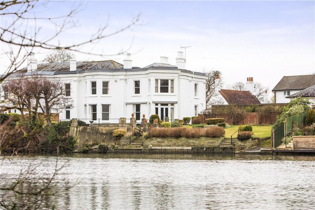 5 Bedrooms Semi Detached House for sale in Walton Lane, Shepperton, Surrey, TW17
