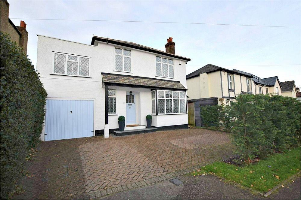 4 Bedrooms Detached House for sale in Trowley Rise, ABBOTS LANGLEY, Hertfordshire