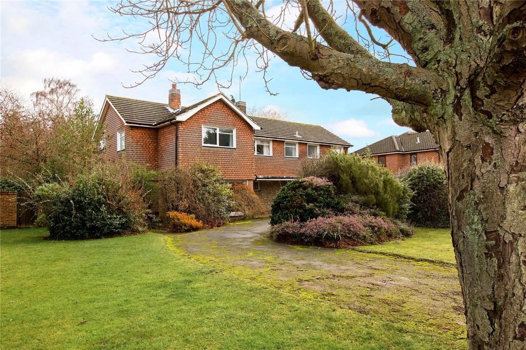5 Bedrooms Detached House for sale in The Warren, Harpenden, Hertfordshire, AL5