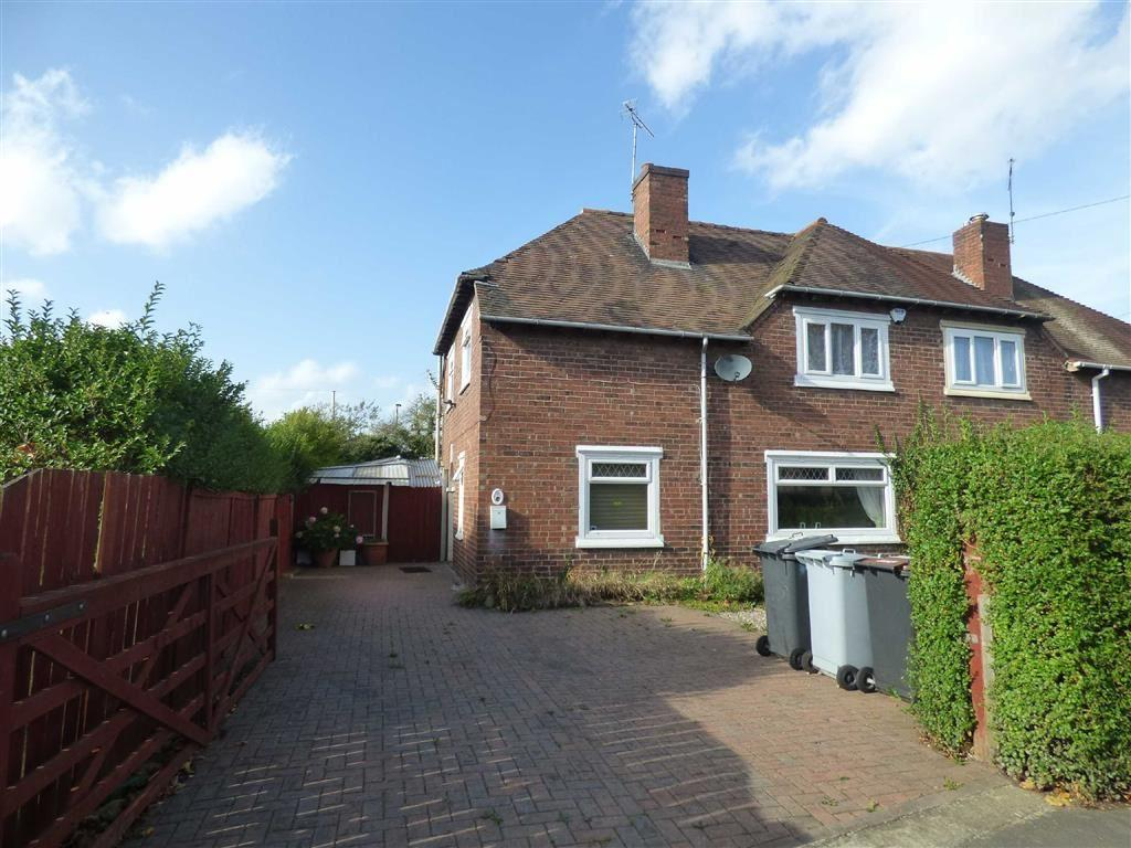 4 Bedrooms Semi Detached House for sale in Claughton Avenue, Crewe