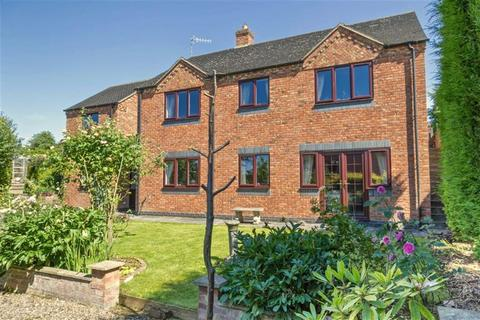 4 bedroom detached house for sale - High Street, Newchapel, Stoke-on-Trent