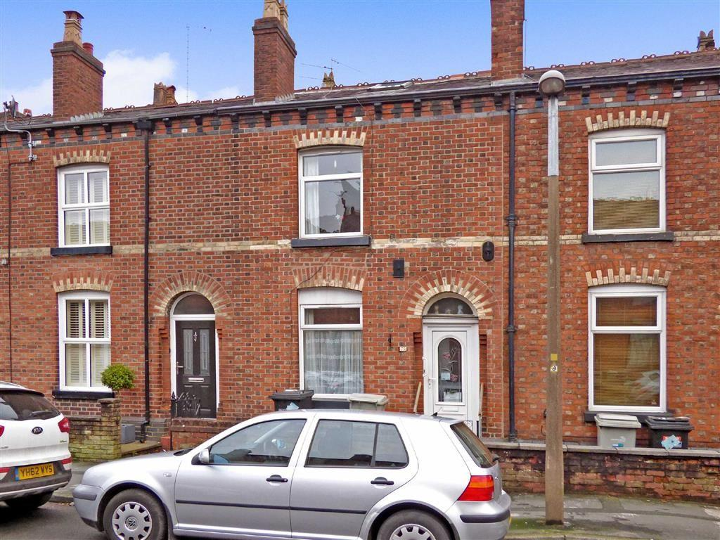2 Bedrooms Terraced House for sale in Crompton Road, Macclesfield, Cheshire