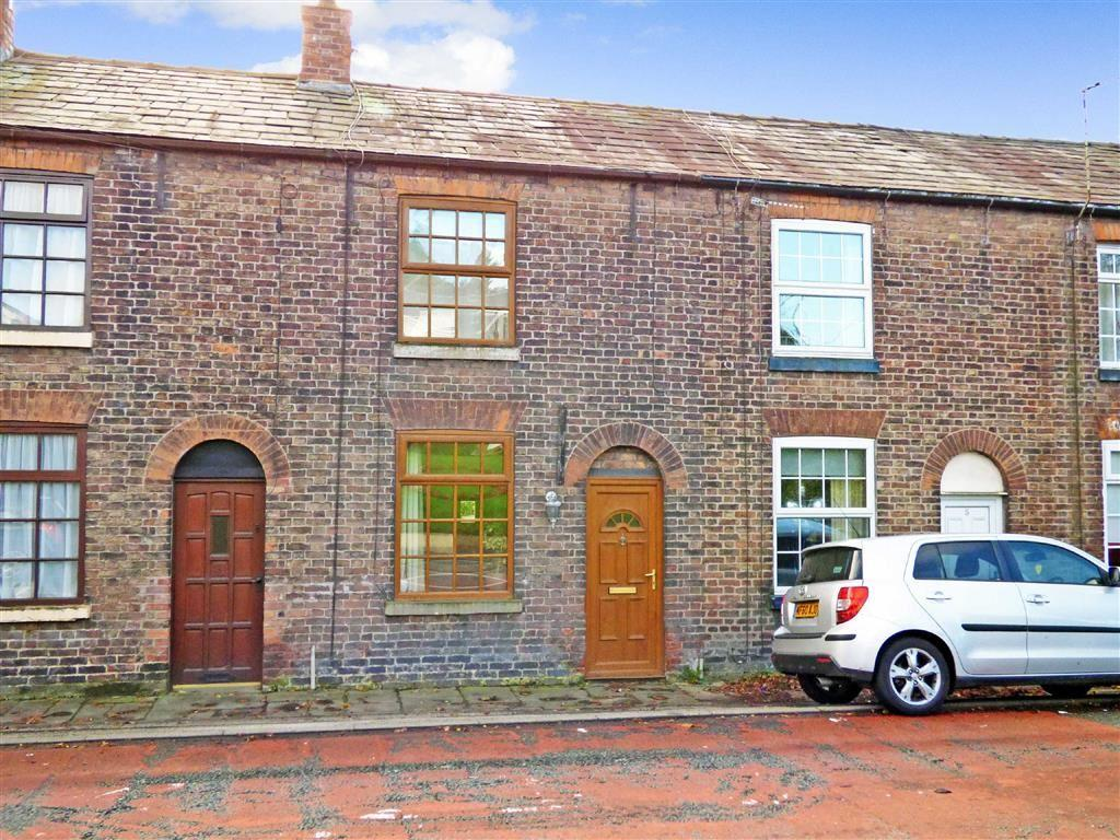 2 Bedrooms Terraced House for sale in Pleasant View, Macclesfield, Cheshire
