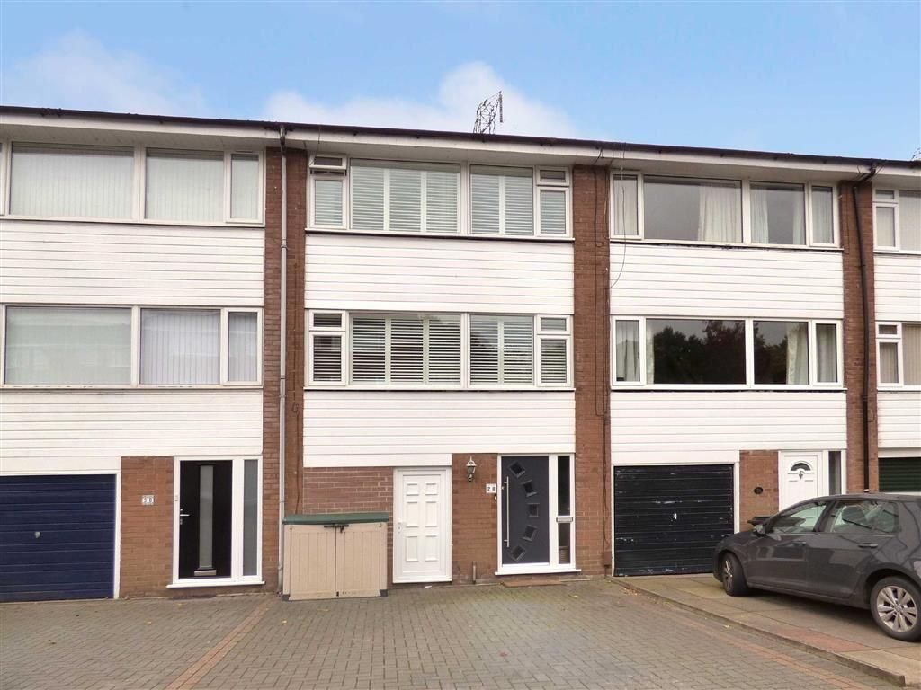 3 Bedrooms Terraced House for sale in Beech Farm Drive, Macclesfield, Cheshire