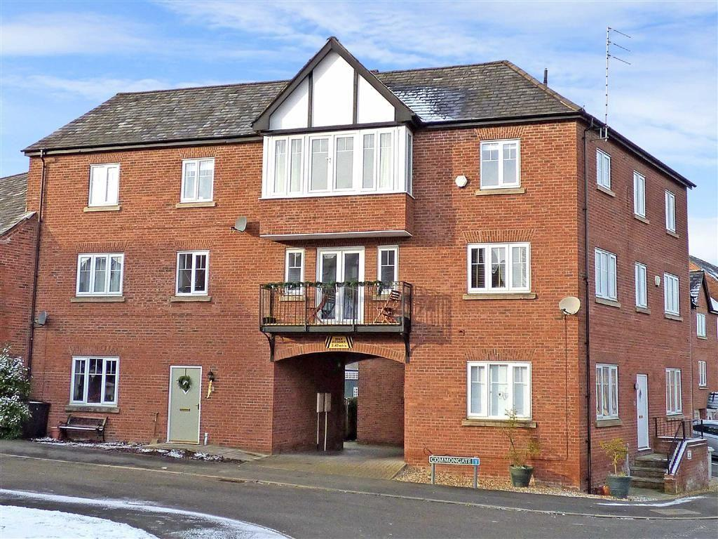 3 Bedrooms Apartment Flat for sale in Commongate, Macclesfield, Cheshire