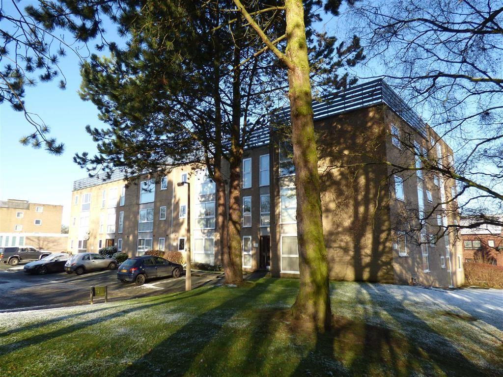 2 Bedrooms Apartment Flat for sale in Linden Court, Macclesfield, Cheshire