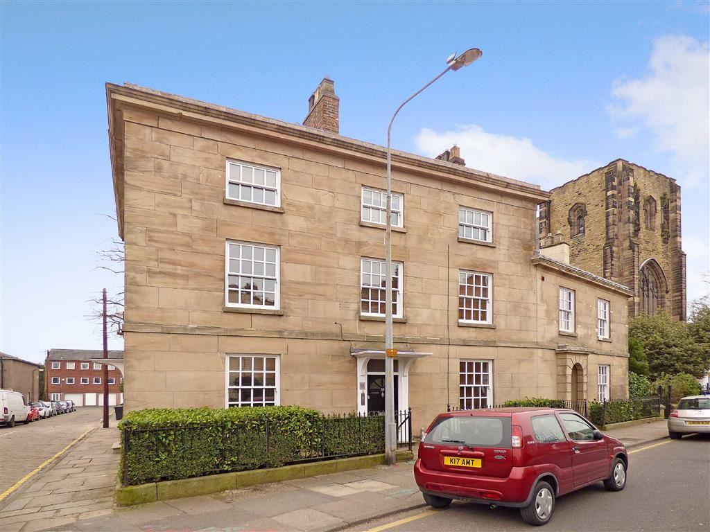 2 Bedrooms Apartment Flat for sale in Chester Road, Macclesfield, Cheshire