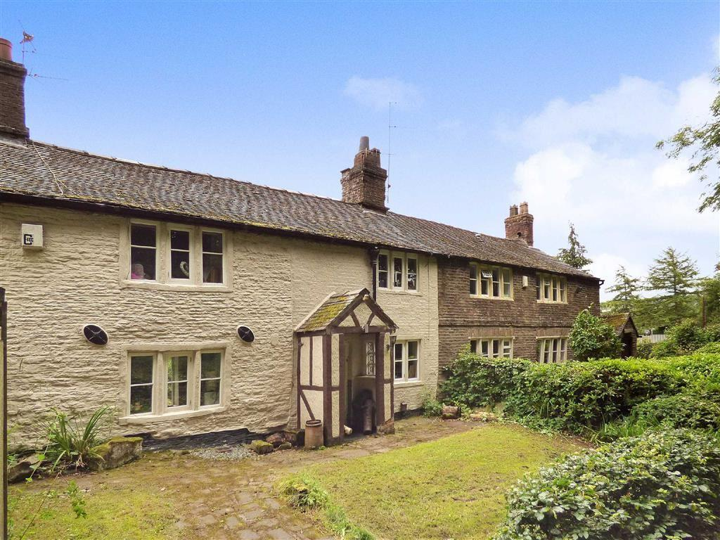 4 Bedrooms Detached House for sale in Manchester Road, Macclesfield, Cheshire