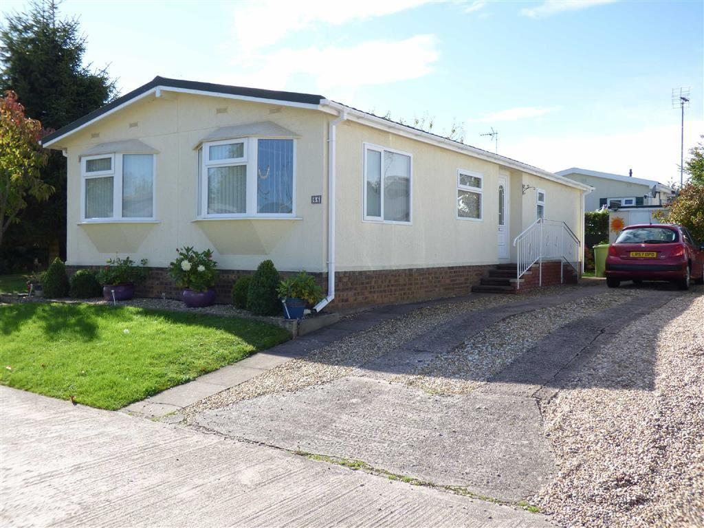 2 Bedrooms Park Home Mobile Home for sale in Lodgefield Park, Stafford