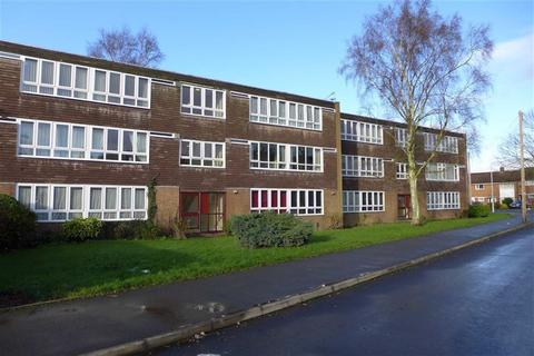 2 bedroom flat to rent - Brantley Avenue, Wolverhampton, West Mildands