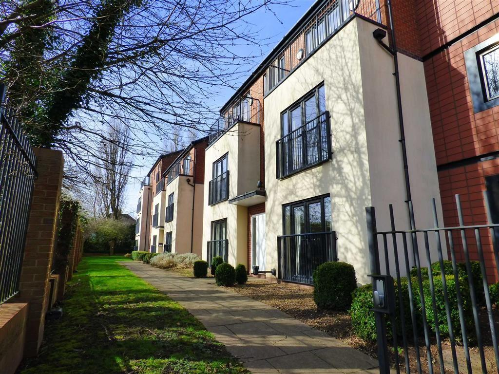 2 Bedrooms Flat for sale in Deans Gate, Willenhall, West Midlands