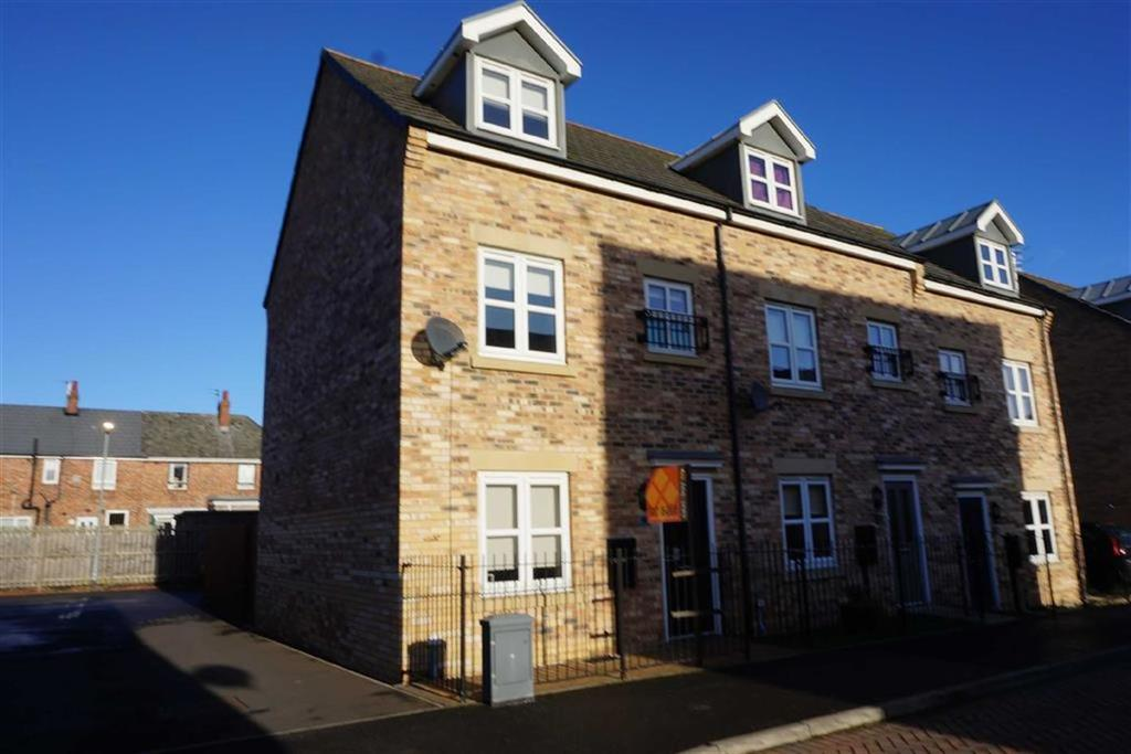 3 Bedrooms Terraced House for sale in Wyedale Way, Walkergate, Newcastle Upon Tyne, NE6