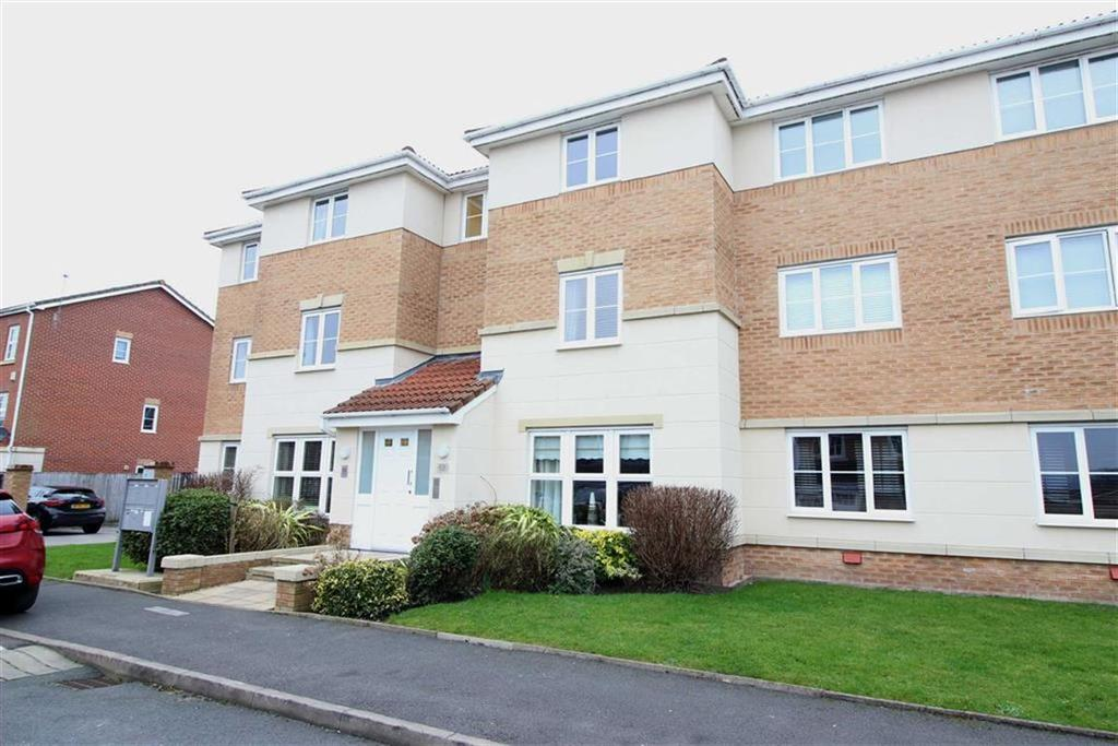2 Bedrooms Flat for rent in Ferndale, Hyde, Cheshire