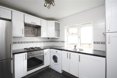 2 bedroom apartment to rent - Regent Close, Horsforth, Leeds