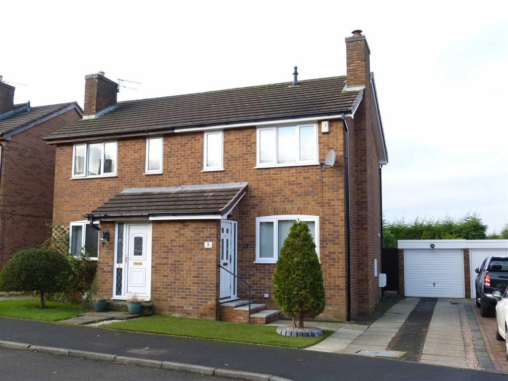 3 Bedrooms Semi Detached House for sale in Hillwood Drive, Glossop