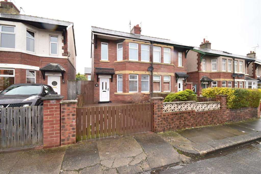 2 Bedrooms Semi Detached House for rent in Laindon Avenue, Sunderland