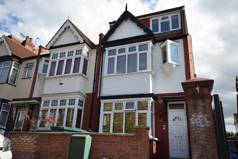 3 bedroom flat to rent - Montagu Road, London