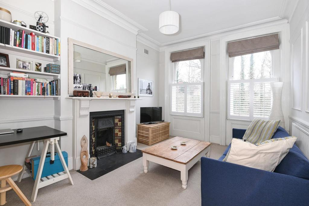 2 Bedrooms Flat for sale in Blythwood Road, Crouch Hill