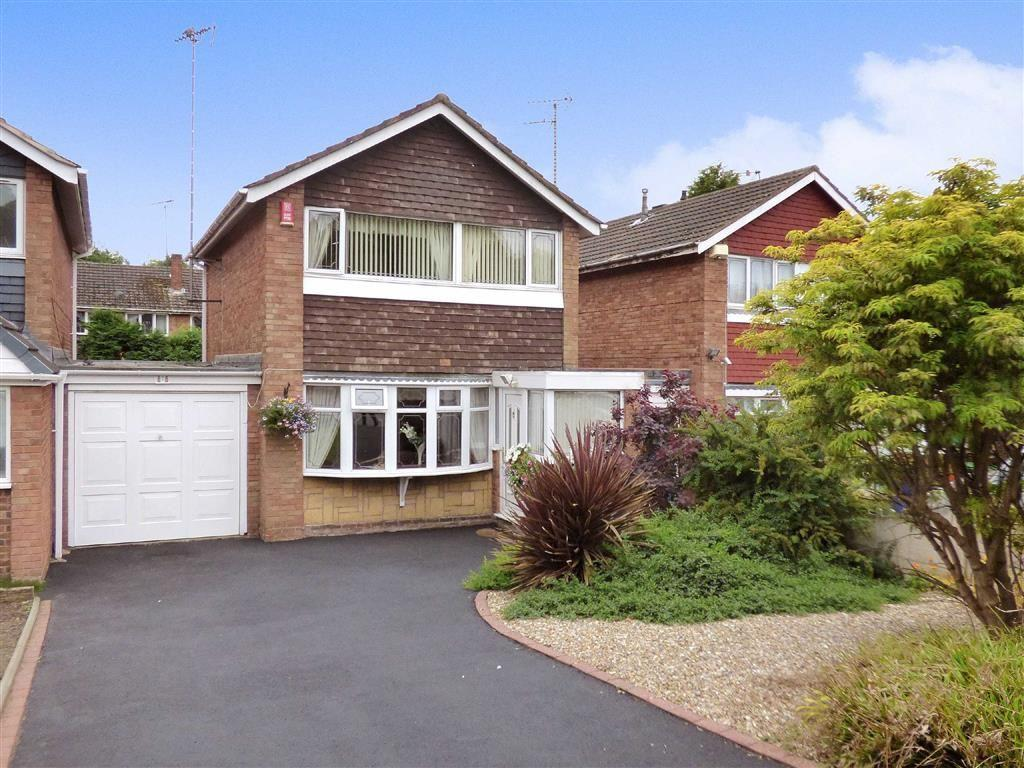 3 Bedrooms Link Detached House for sale in Littleworth Road, Cannock, Staffordshire