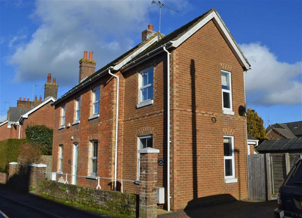 2 Bedrooms Semi Detached House for sale in Crescent Road, Wimborne, Dorset