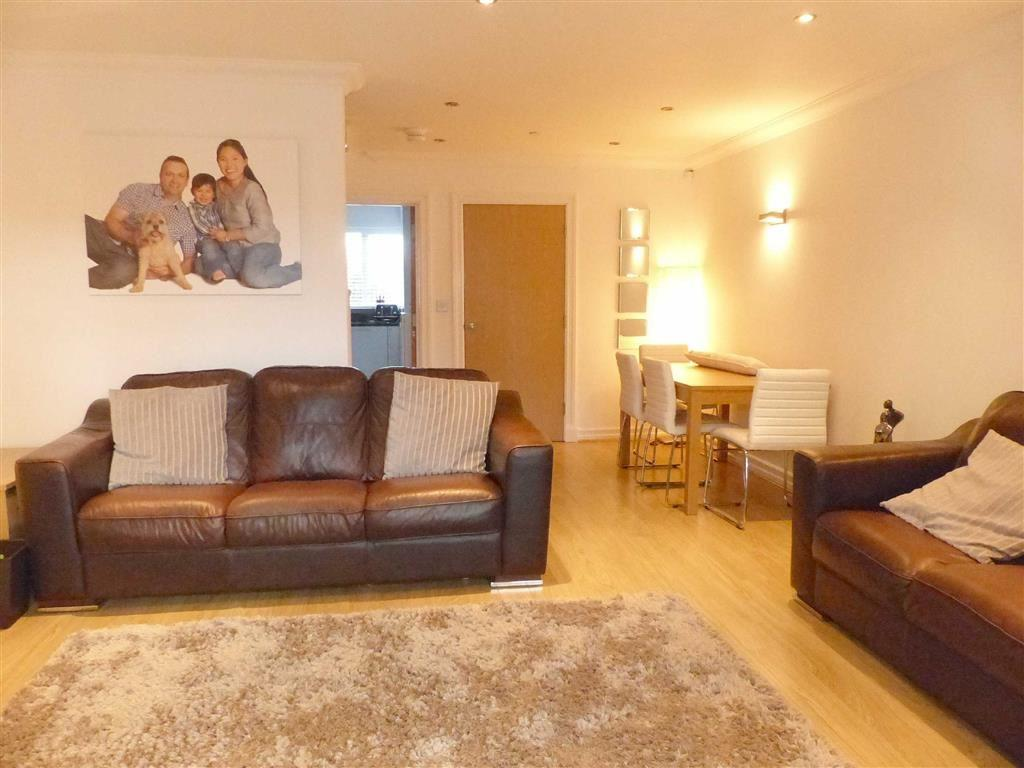 4 Bedrooms Town House for sale in St Johns Way, Sandiway, Cheshire