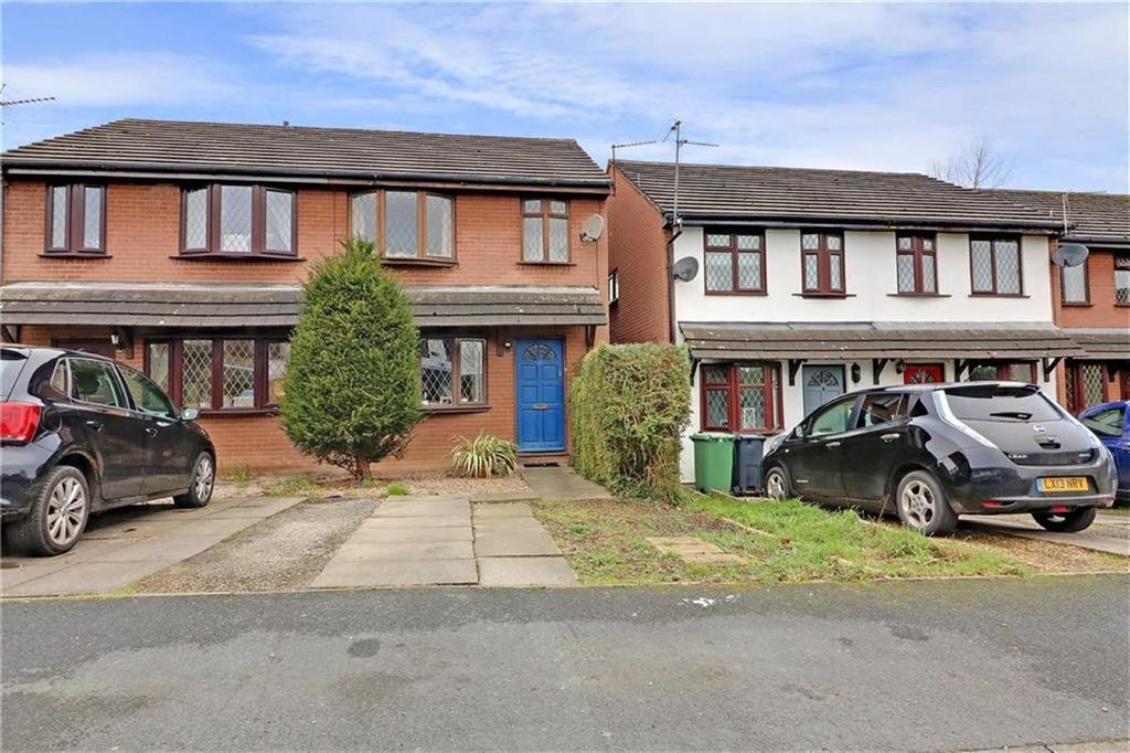 3 Bedrooms Mews House for sale in Holly Walk, Northwich, Cheshire