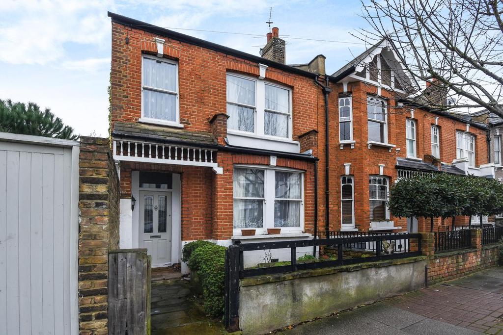 3 Bedrooms End Of Terrace House for sale in Heythorp Street, Southfields