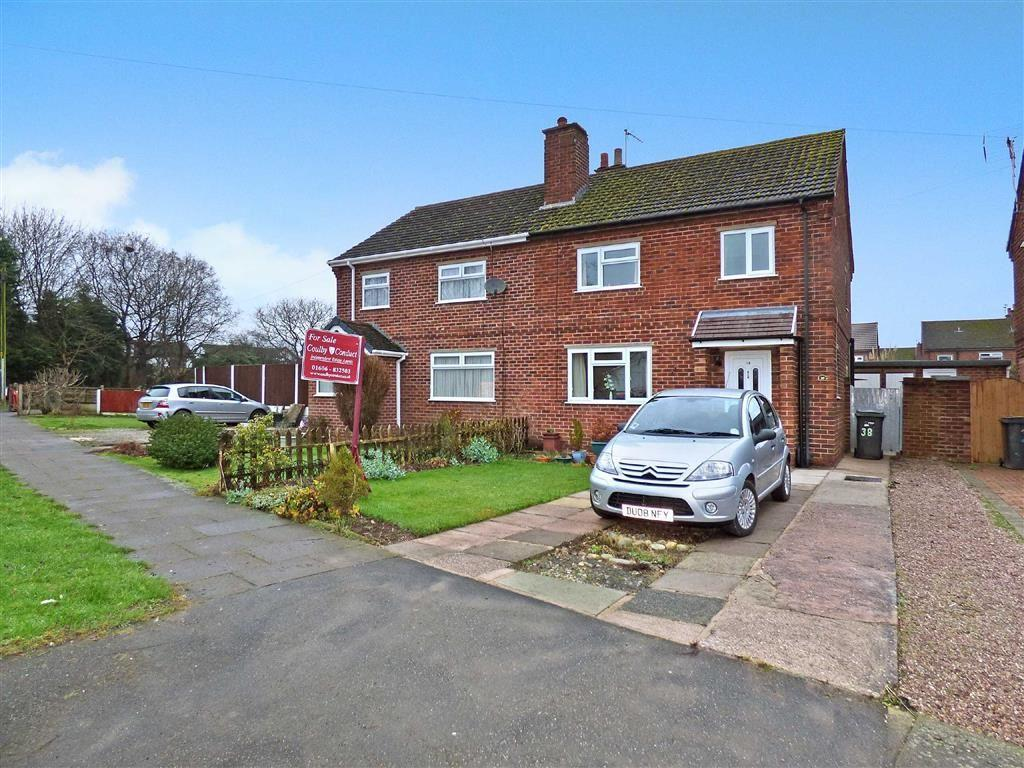 3 Bedrooms Semi Detached House for sale in Chadwick Road, Middlewich, Cheshire