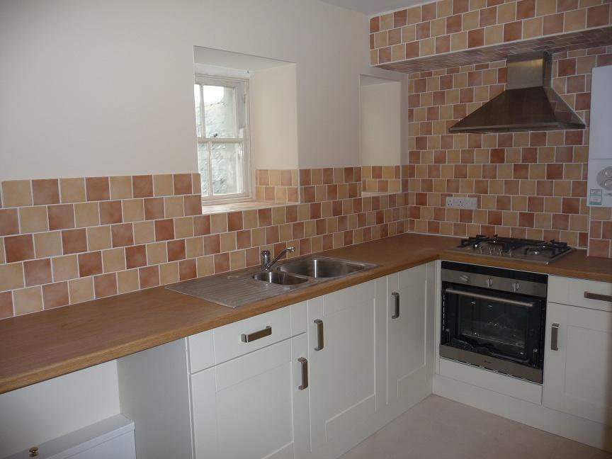2 Bedrooms Apartment Flat for rent in High Street, Haverfordwest