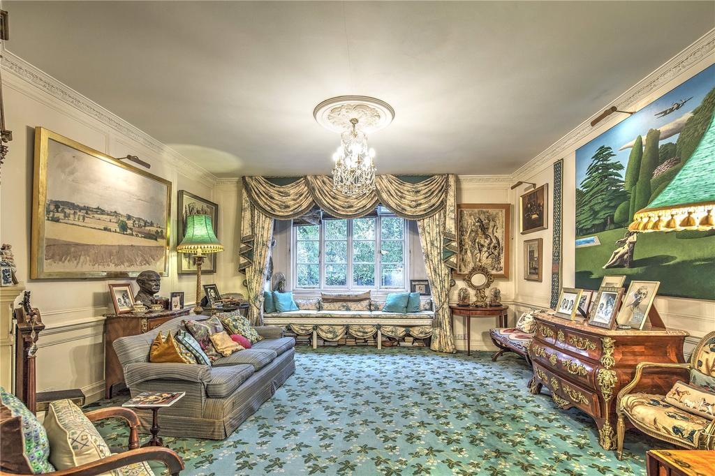 3 Bedrooms Maisonette Flat for sale in Kensington Square, London, W8