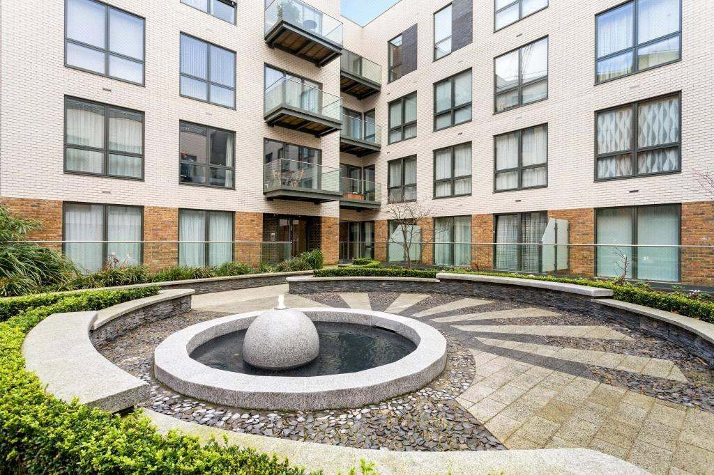 2 Bedrooms Flat for sale in Wharf House, 2 Brewery Lane, Twickenham, TW1