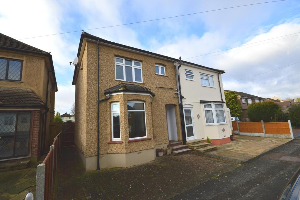 3 Bedrooms Semi Detached House for sale in Ethelburga Road, Romford, RM3