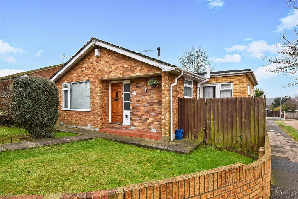 2 Bedrooms Detached Bungalow for sale in Green Lane, Eastwood