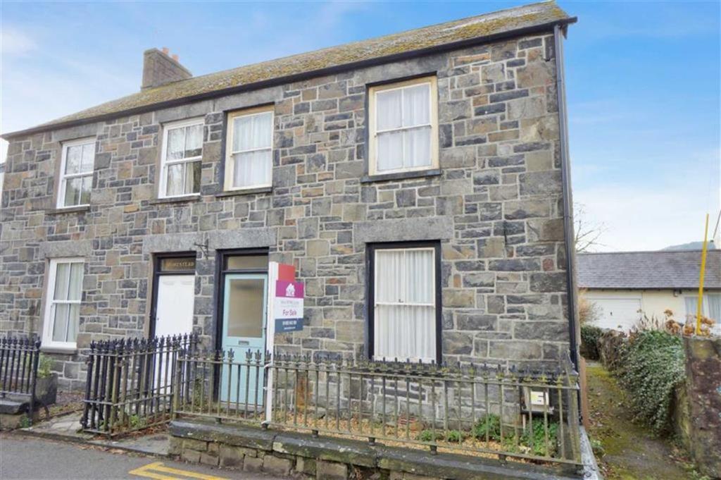 4 Bedrooms Semi Detached House for sale in Tal Y Bont Road, Llanrwst, Conwy