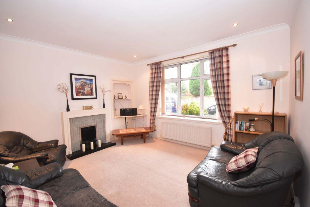 2 Bedrooms Ground Flat for sale in 4/1 Falcon Road, Edinburgh, EH10 4AH
