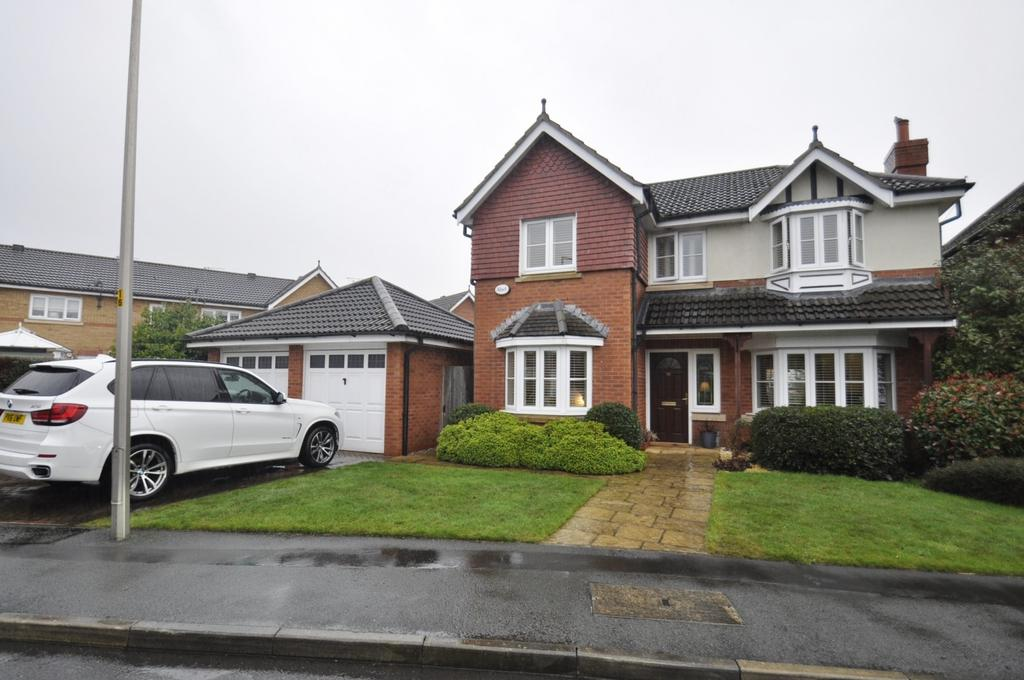 4 Bedrooms Detached House for sale in Eden Park Road, Cheadle Hulme,