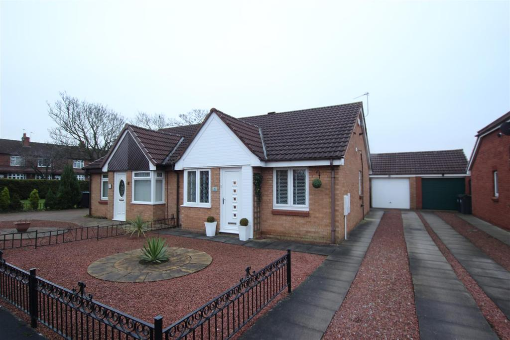 2 Bedrooms Semi Detached Bungalow for sale in Baltimore Way, Darlington