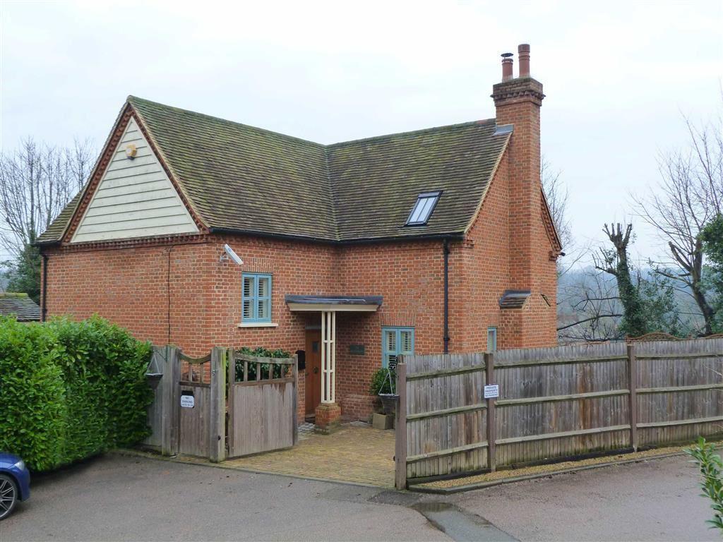 3 Bedrooms Detached House for sale in London Road, Welwyn Village