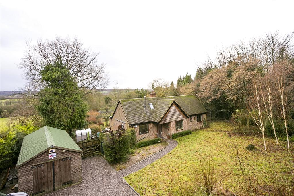 4 Bedrooms Detached Bungalow for sale in Pilgrims Way, Kemsing, Sevenoaks, Kent