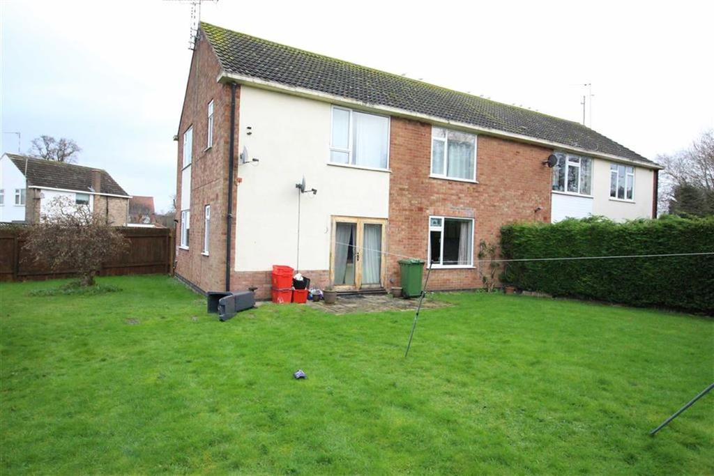 2 Bedrooms Flat for sale in Cowdray Close, Sydenham, Leamington Spa, CV31