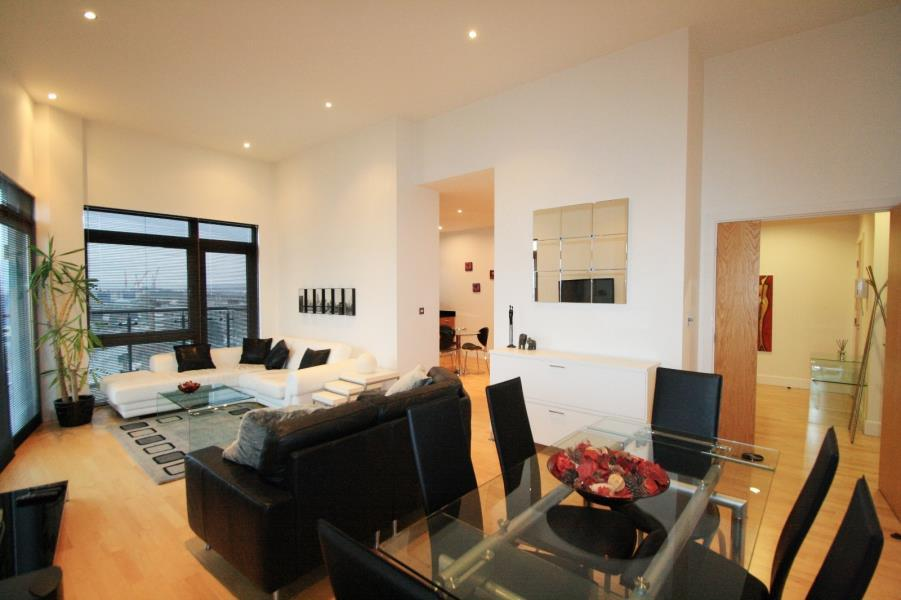 2 Bedrooms Penthouse Flat for sale in MAGELLAN HOUSE, ARMOURIES WAY, LEEDS, LS10 1JE